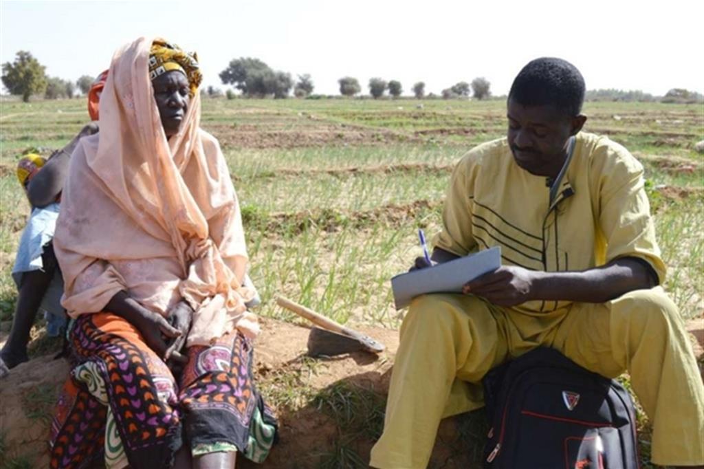 Produzioni a rischio. La produzione agricola locale in Senegal è spesso  incostante: in alcuni anni cala anche del 50/60%. Il suolo è soggetto a progressivo  impoverimento a causa dei cambiamenti climatici, della desertificazione, della  contrazione della stagione delle piogge. Con i beneficiari Green Cross mette in atto  sistemi per fare fronte a questa emergenza. -
