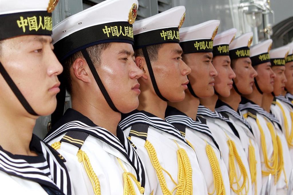 Uomini della Marina cinese