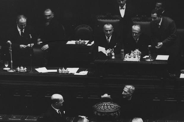 Don sturzo beato chiude la fase diocesana for Votazione camera dei deputati