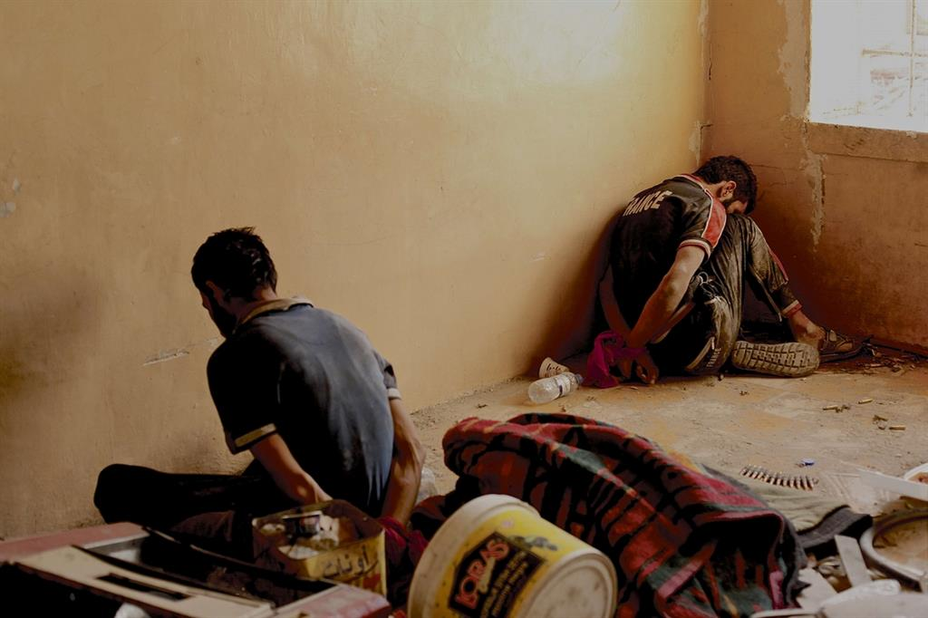 Presunti miliziani del Daesh catturati a Mosul dai liberatori (Foto Laura Silvia Battaglia)