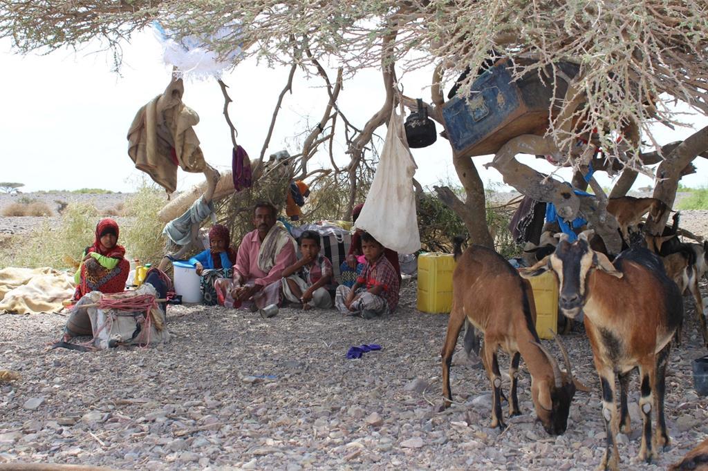 Per sopravvivere l'80% della popolazione dipende dall'importazione di derrate alimentari, ora bloccate (Oxfam - Omar Algunaid) -