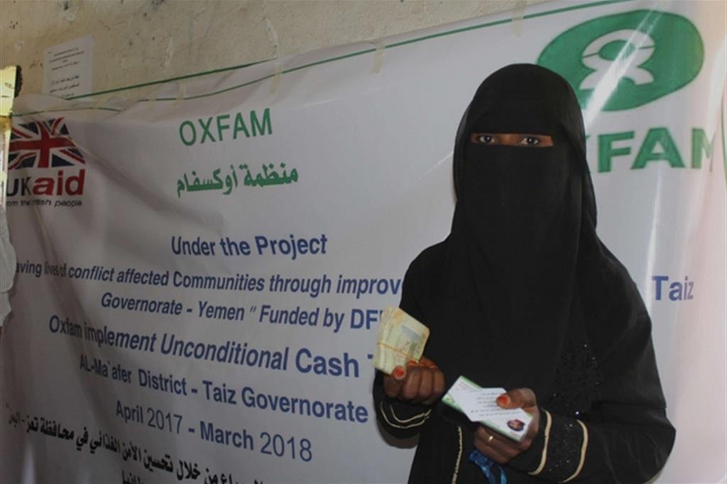 Una mamma aiutata dall'Oxfam  (Oxfam - Zeyad Ghanem) -