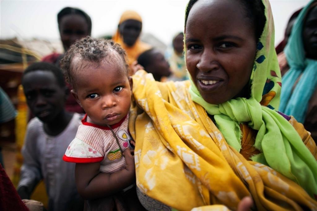 Profughi sudsudanesi in un campo a ridosso del terrotorio del Darfur in Sudan
