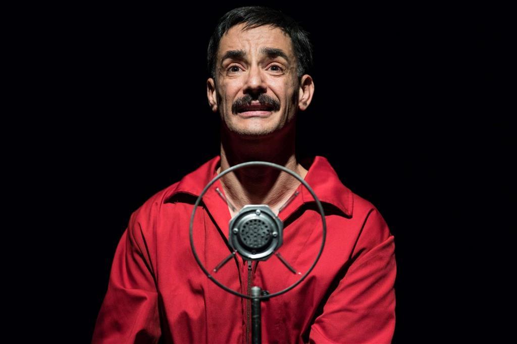 Peppino Mazzotta. l'ispettore Fazio in «Montalbano», a teatro con «Giuseppe Z.» (foto Marco Ghidelli)