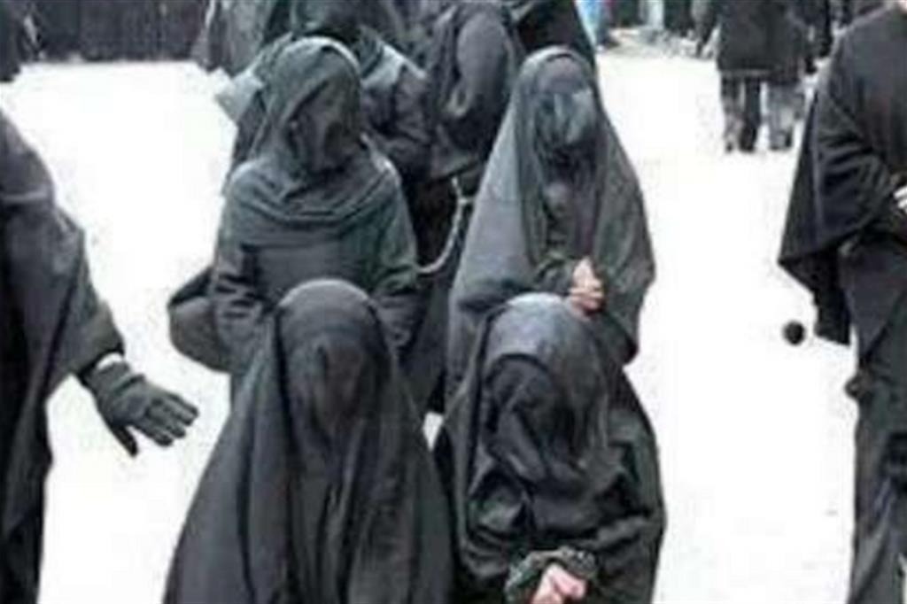 Il bottino di donne «eretiche» ridotte a schiave