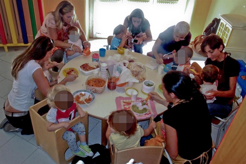 Morti bimbo e neonata: il dolore e la prova di una comunità