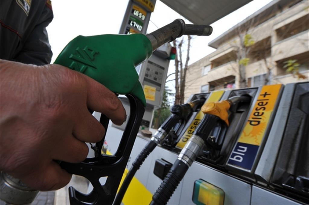 E' giapponese l'auto a benzina che consuma meno