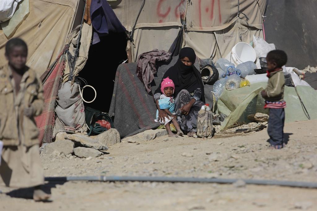 Fatima e i suoi figli, Huth camp (Mohammed Al-Mekhlafi) -