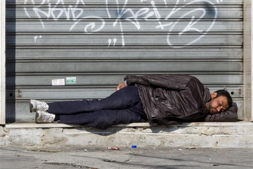 Quasi tre italiani su dieci a rischio povertà