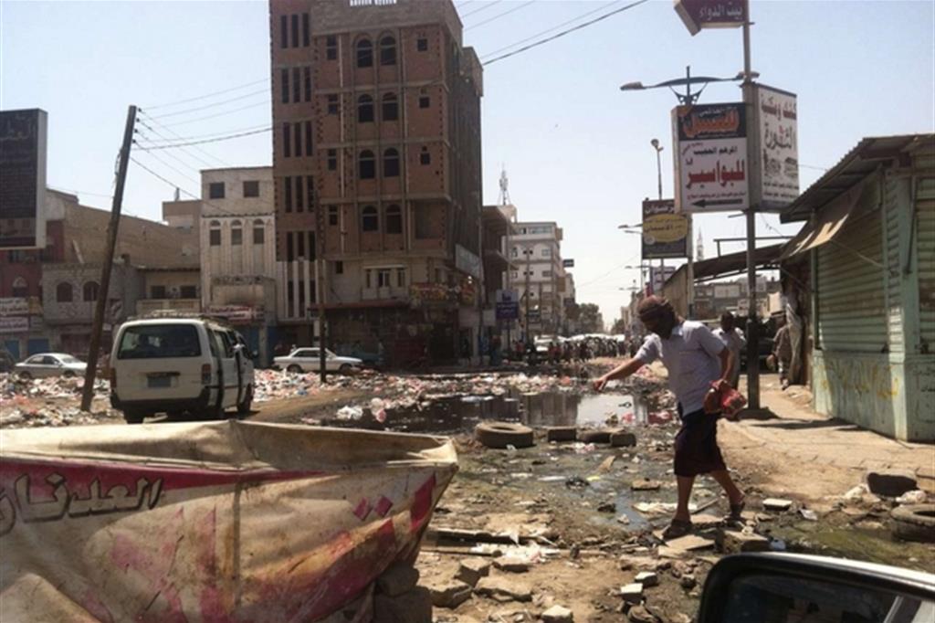 Un'altra immagine di Hodeidah dopo gli ultimi attacchi (Oxfam) -