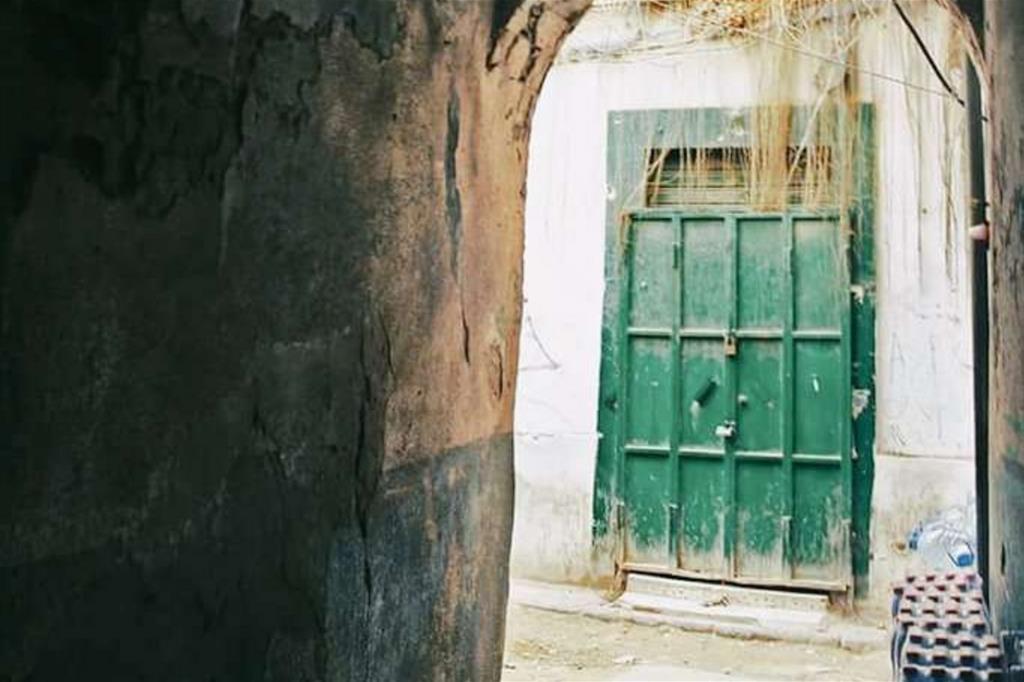 La Medina rischia di essere sfigurata dagli interventi maldestri degli abitanti, inconsapevoli del valore del luogo -