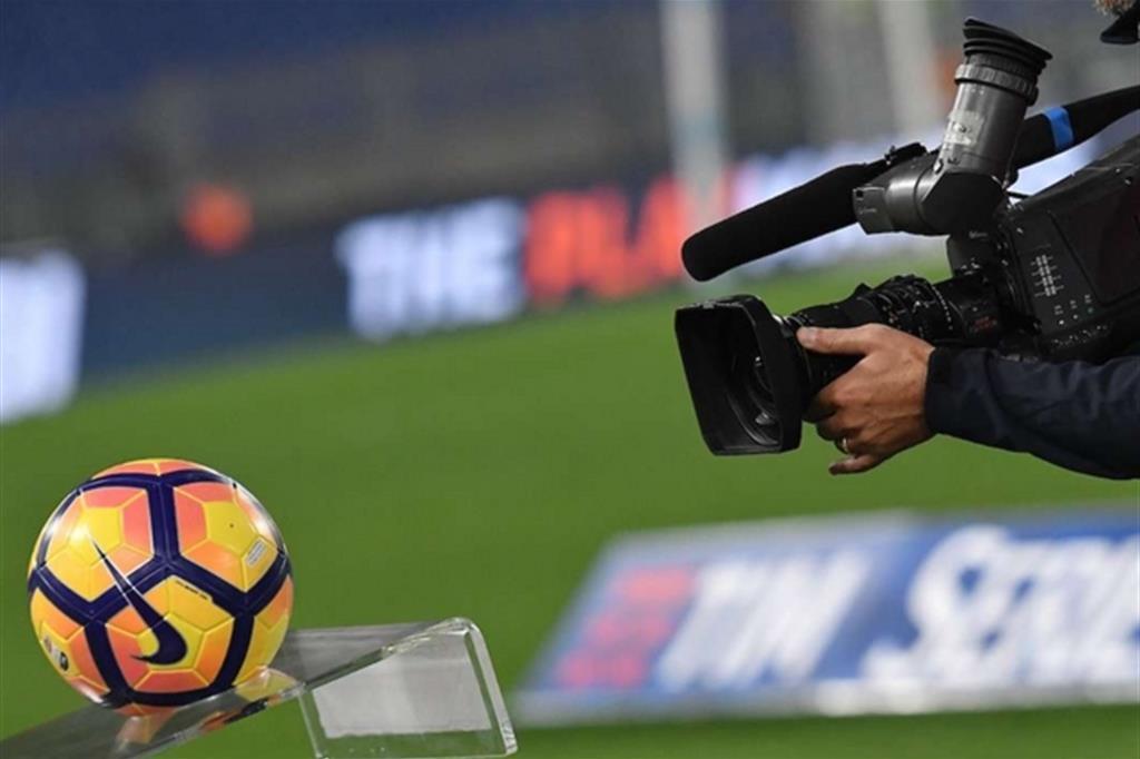 Annullato il bando Mediapro. Sky può salvare la Serie A