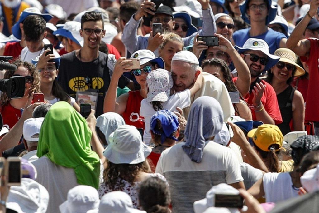 Sogni, paure, libertà, amore... le frasi di papa Francesco ai giovani