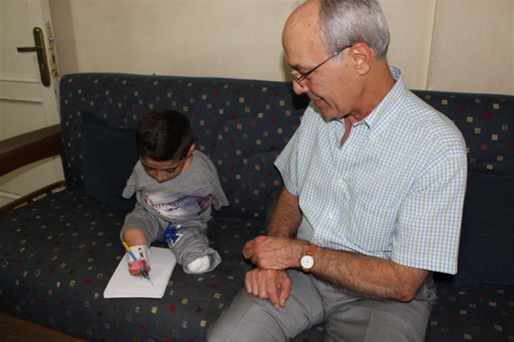 Mahmud con il dottor Nabil Antaki
