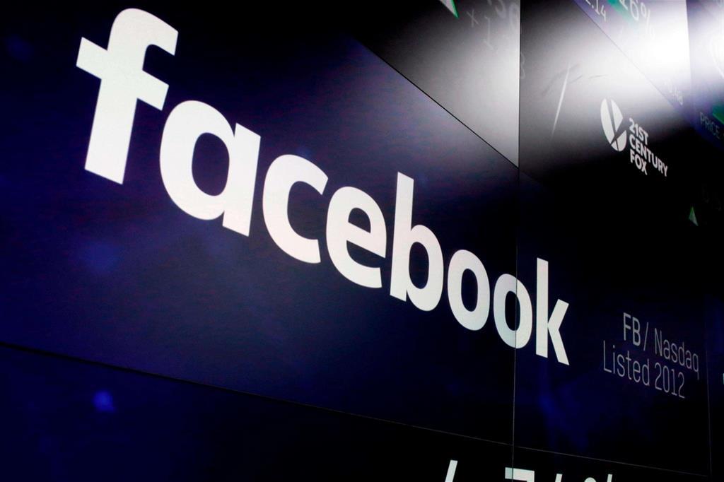 63dc2f04bd Facebook perde il 19% in Borsa, Twitter il 20%. Bruciati miliardi di dollari