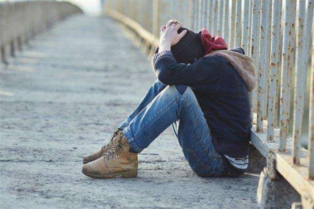 Disturbi psichici crescenti e non curati nella metà dei ragazzi