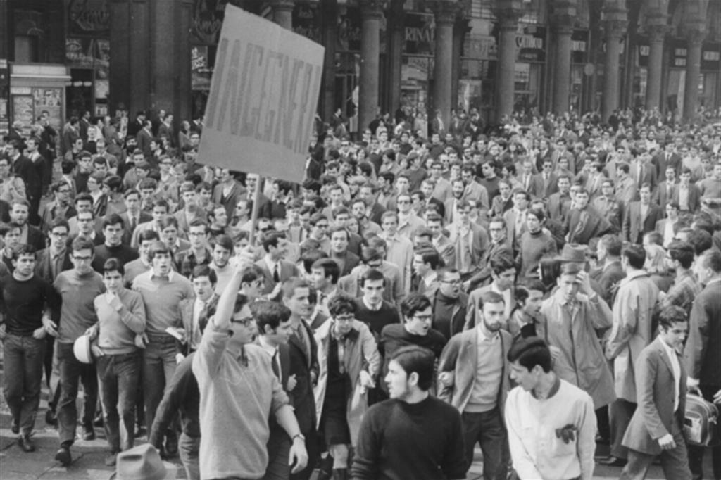 Una manifestazione all'Università Cattolica di Milano, il 26 marzo 1968