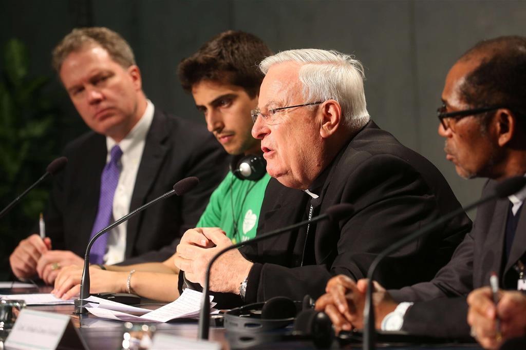 Il briefing sul Sinodo sui giovani (Siciliani)