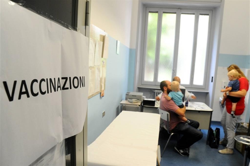 La scuola riparte nel caos vaccini. «Chi non è in regola? Sta fuori»