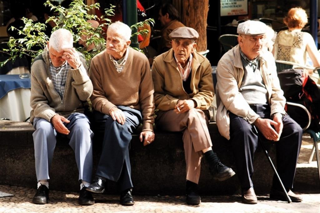 Allarme invecchiamento: l'Italia diventerà un enorme ospizio