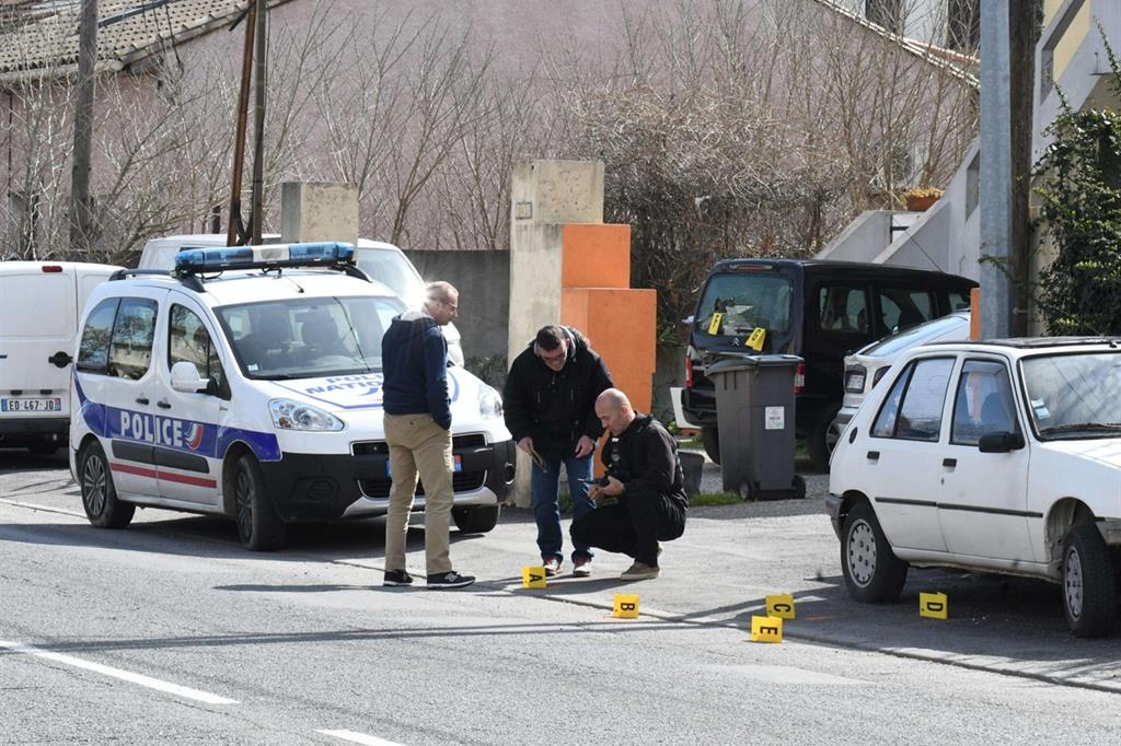Ucciso il terrorista del supermercato. Liberi gli ostaggi, tre i morti