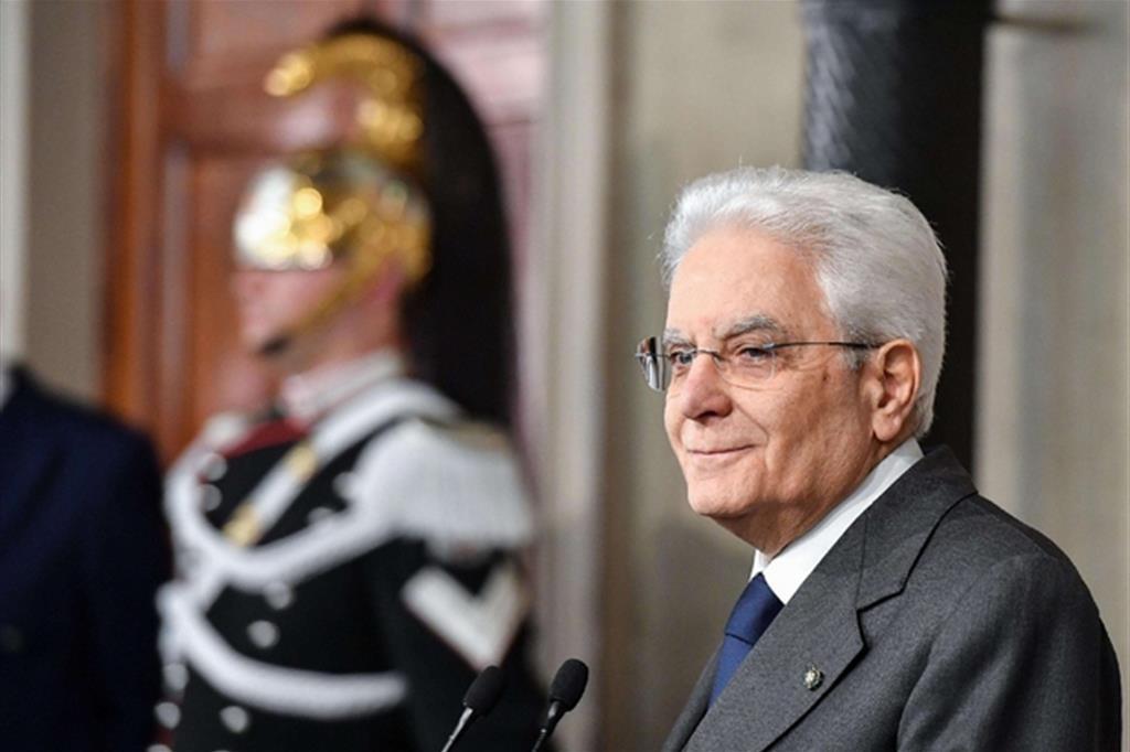 Mattarella: partiti in stallo, ma al Paese serve un governo. I due scenari