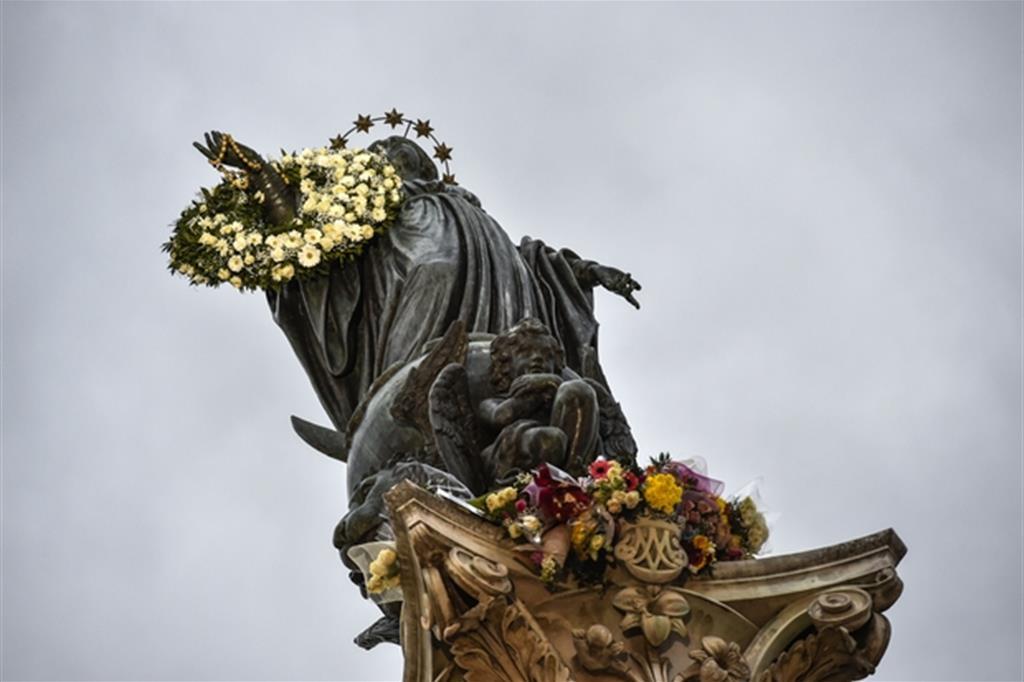 La statua dell'Immacolata a Roma