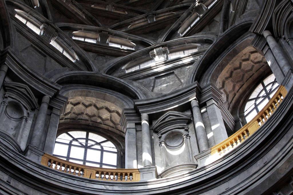 Le finestre della cupola (Ansa) -