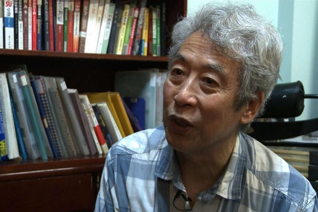 Sun Wenguang, 84 anni, ex docente cinese di fisica all'università di Shandong