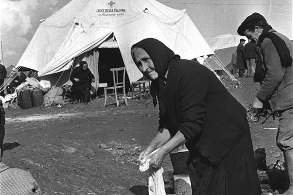 Gibellina dopo il terremoto (Archivio Ansa). Tra il 14 e il 15 gennaio 1968 una serie sdi scosse svonvolse la zona tra le province di Trapani, Agrigento e Palermo. -