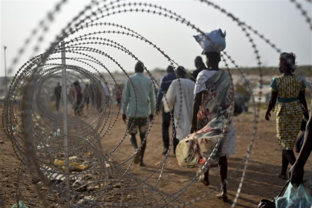 I combattimenti hanno provocato l'esodo di un milione di profughi, all'interno del Sud Sudan e nei Paesi vicini