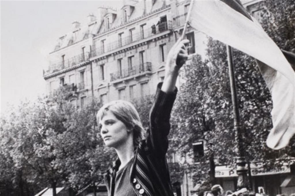 "La ""Marianna"" dei moti parigini del 1968, Caroline de Bendern (Jean-Pierre Rey)"