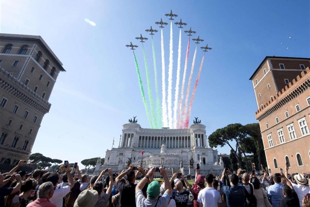 Auguri del neopremier Conte agli italiani: «Festa di noi tutti»