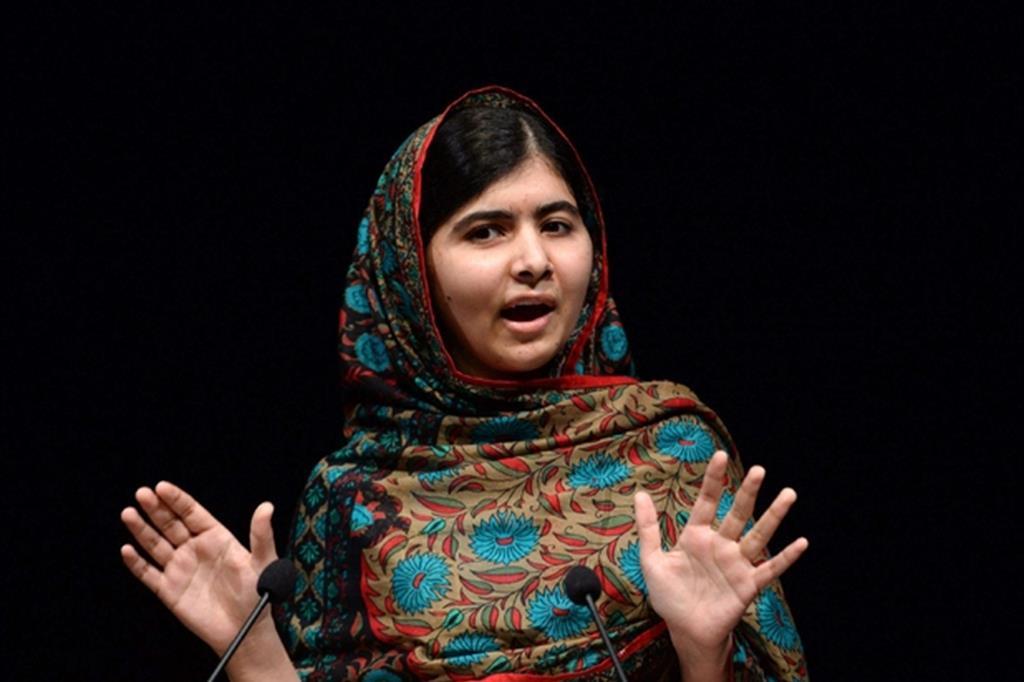 Malala Yousafzai tornata per la prima volta in Pakistan dopo l'attentato che subì da un commando dei taleban (Ansa)
