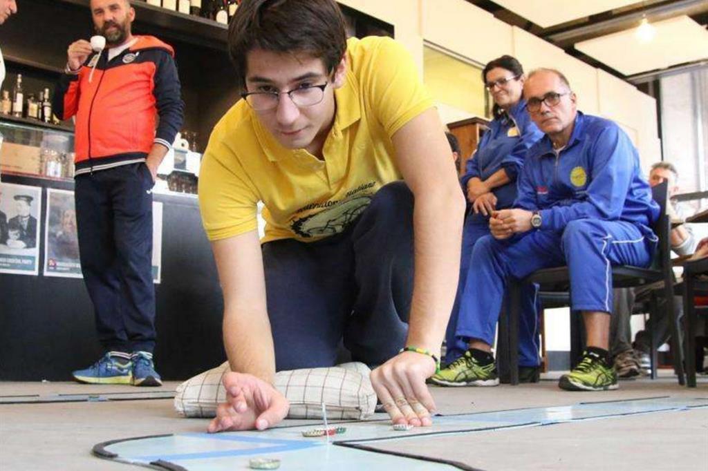 Simone Rossi impegnato in una gara di ciclotappo
