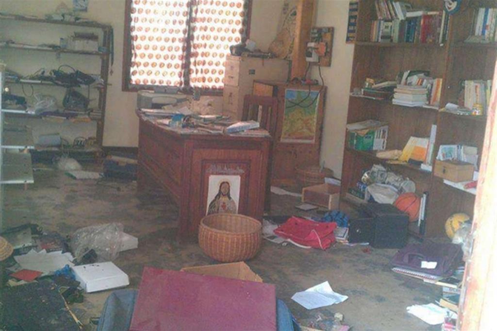 La devastazione in una stanza del vescovado -