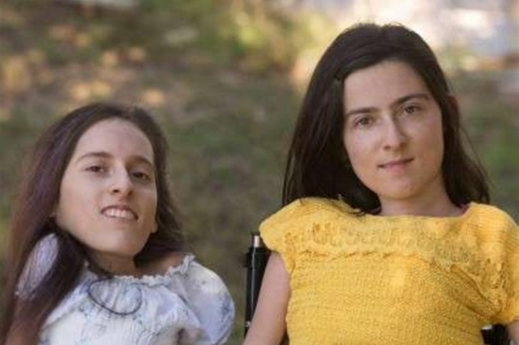 Il grido di libertà delle sorelle Paolini: più fondi per l'assistenza