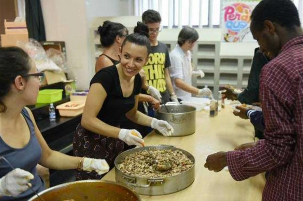 Giovani volontari. Cultura del dono contro la liquidità