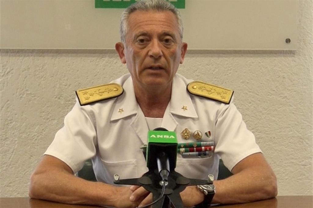 L'ammiraglio Pettorino Uno degli interventi di soccorso della Guardia Costiera nel Canale di Sicilia (Ansa)
