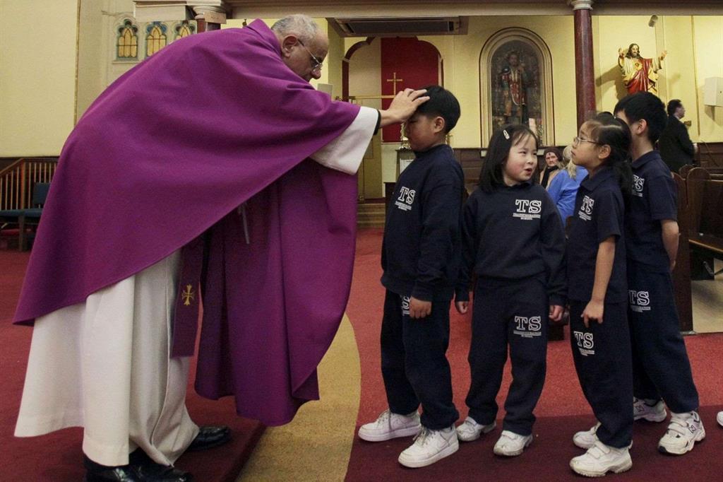 Il colore liturgico che contrassegna la Quaresima è il viola