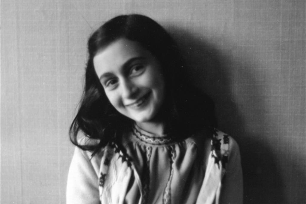 Anne Frank nel 1941 (AP)