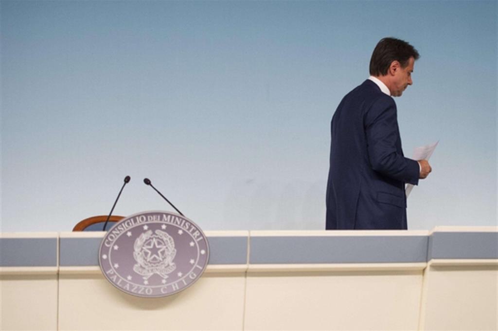 Tra i nodi da sciogliere il nome del premier che verrà dopo Conte (nella foto Ansa)