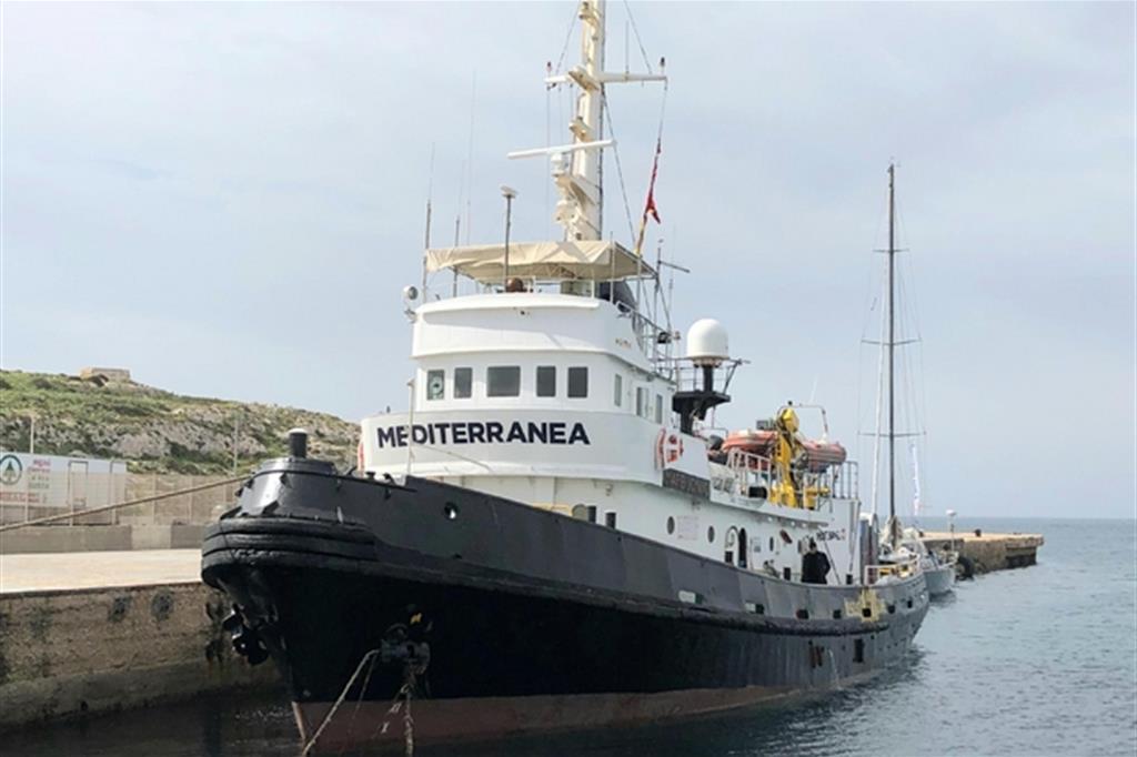 La nave Mare Jonio della Missione Mediterranea (Ansa)