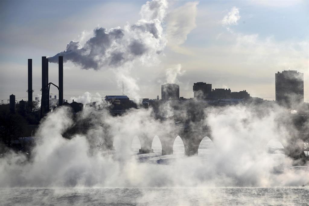 Inquinamento atmosferico nel distretto industriale di Minneapolis, Minnesota (Stati Uniti)