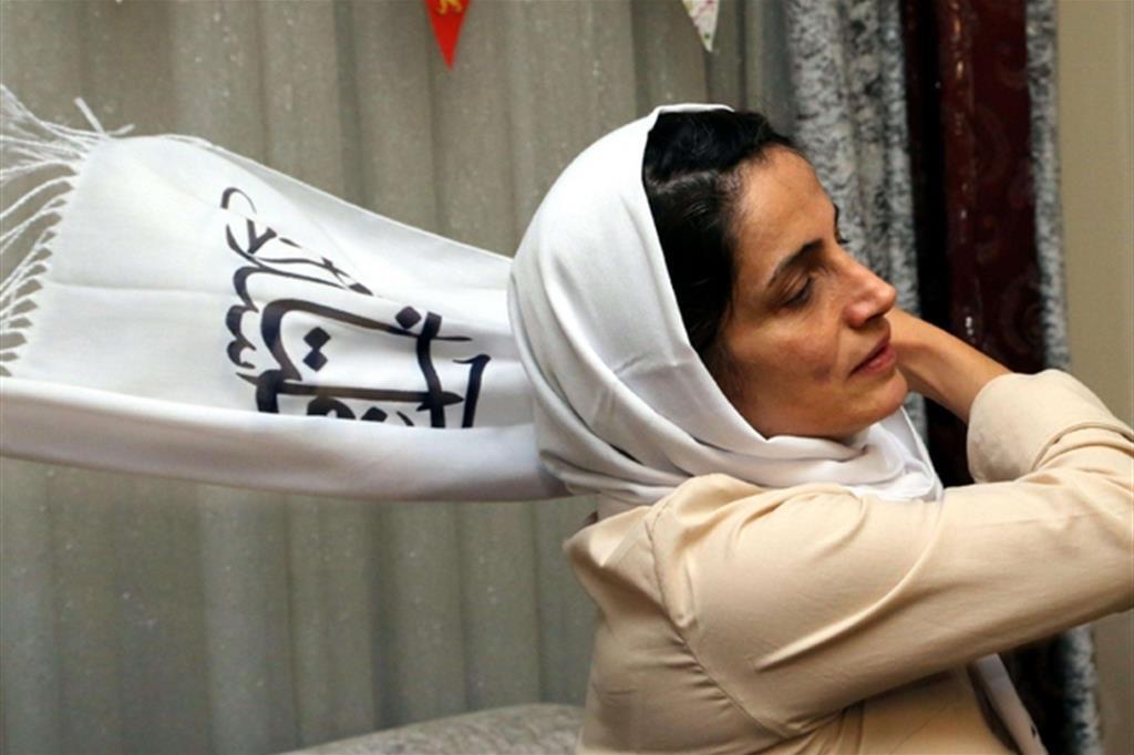 A Nasrin Sotoudeh, nel 2012, è stato assegnato dal Parlamento Europeo il Premio Sakharov per la libertà di pensiero (Ansa)