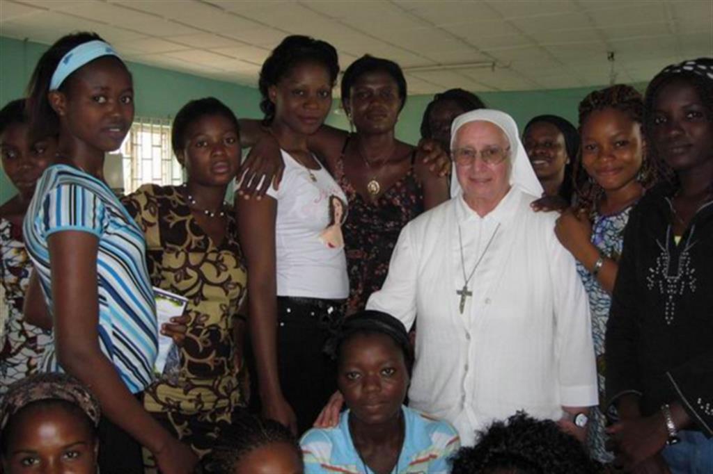 Con suor Eugenia Bonetti la Via Crucis contro la tratta