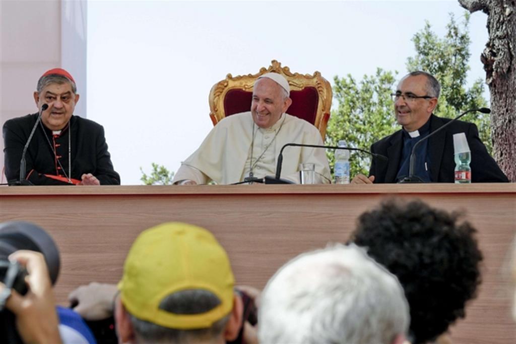 Il Papa a Napoli: Mediterraneo laboratorio di dialogo