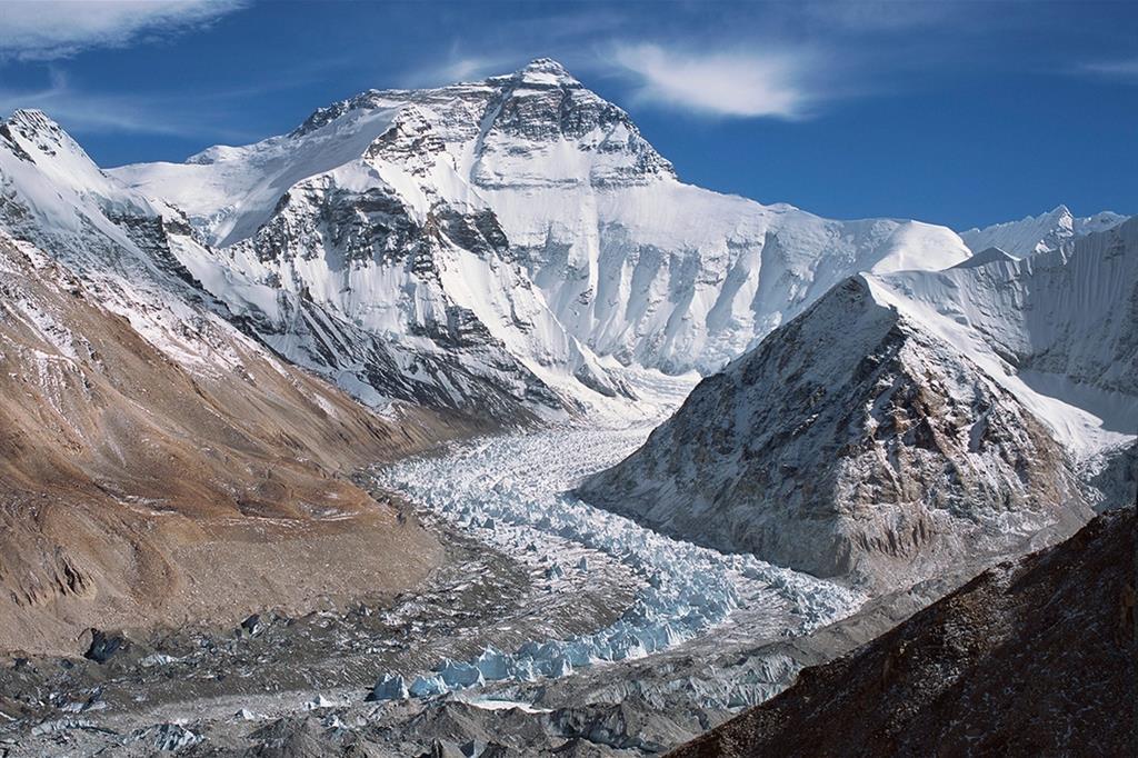 Uno scorcio della catena dell'Himalaya (Ansa)