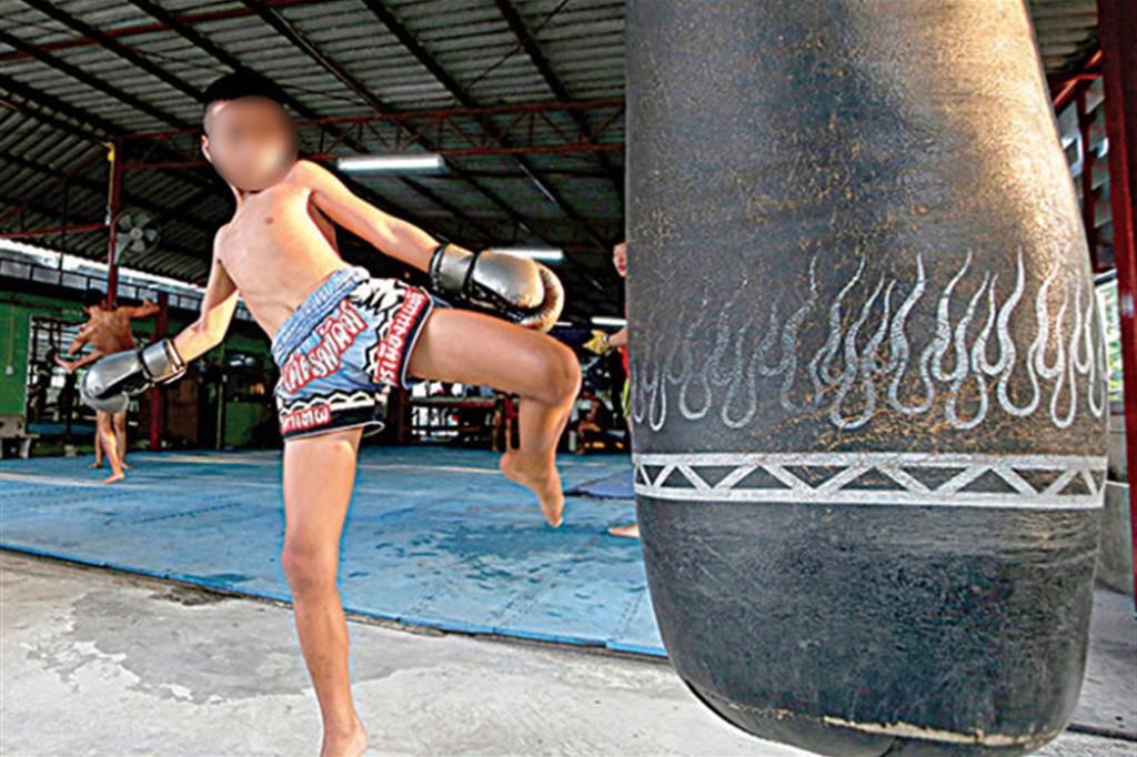 Thailandia, quei bambini mandati a morire sul ring