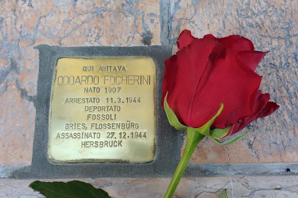 Una «Pietra d'inciampo» sotto casa: così Mirandola ricorda il beato Focherini